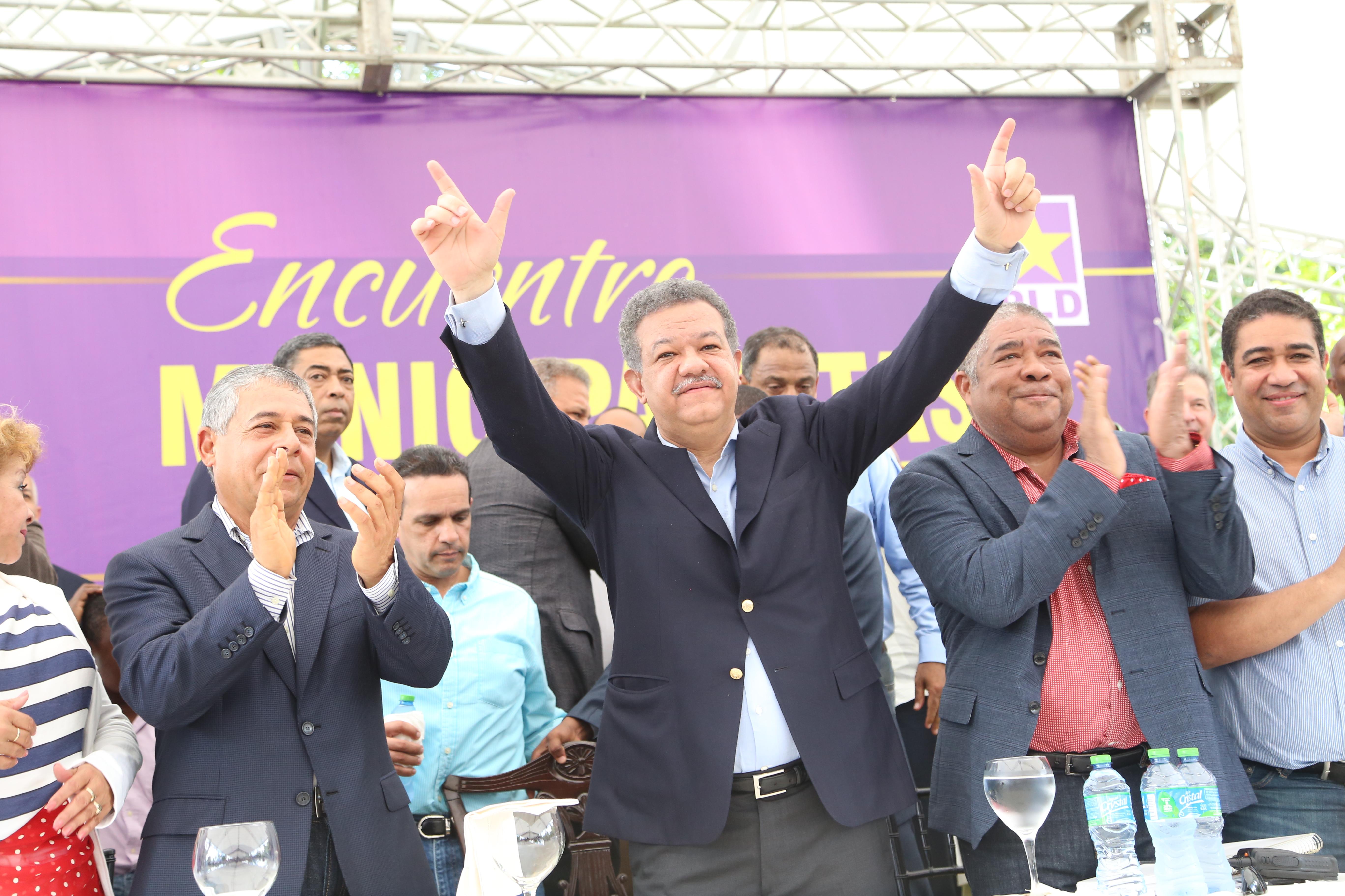 Leonel ladrón, te robaste el corazón del pueblo dominicano